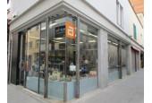 Àfrica Complements, tienda de zapatos y complementos multimarca